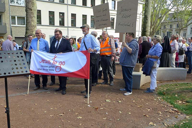 Oberbürgermeister Frank Meyer beim Wallgang 2019 in Krefeld